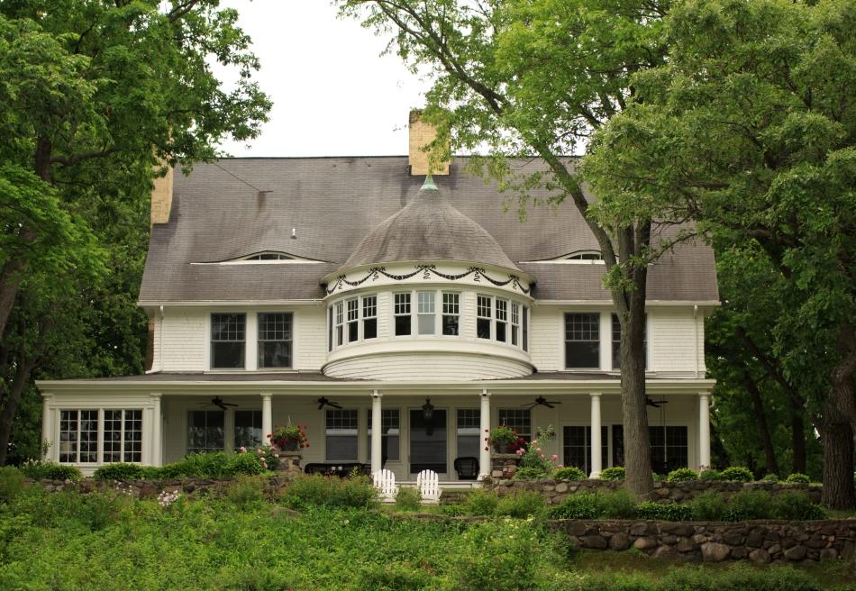 Lake House Luxury